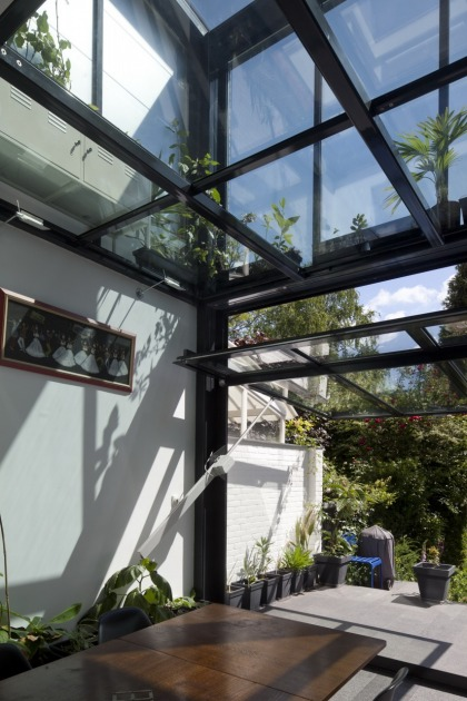 Hoyt architecten uitbreiding straatweg for Glazen uitbouw