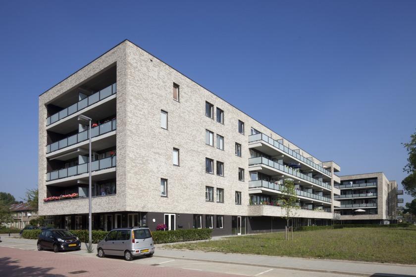 Rotterdam Hoogvliet heerlijk houtingen herstructurering appartement galerij