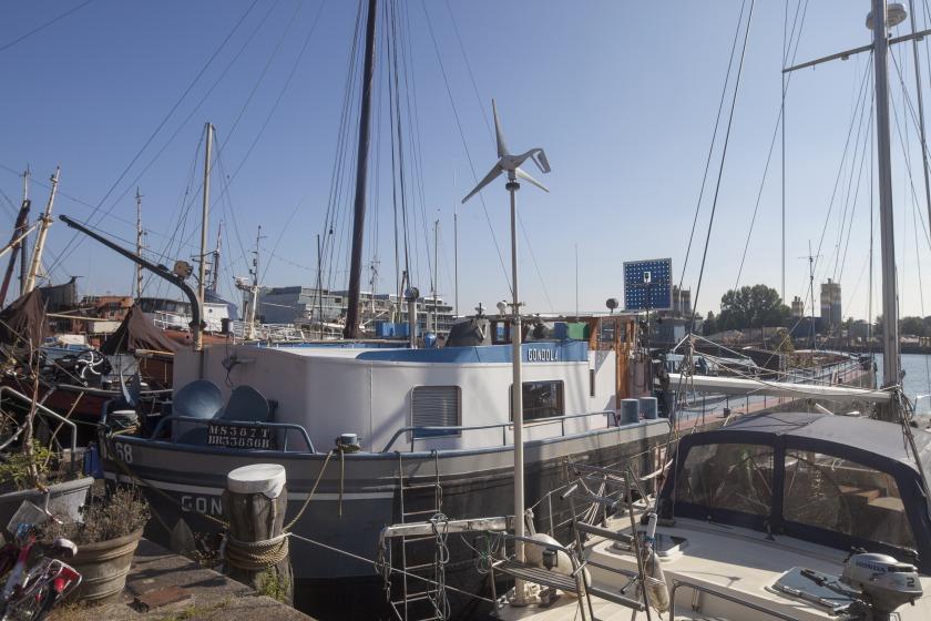 La Gondola woonboot verbouwing buitenkant