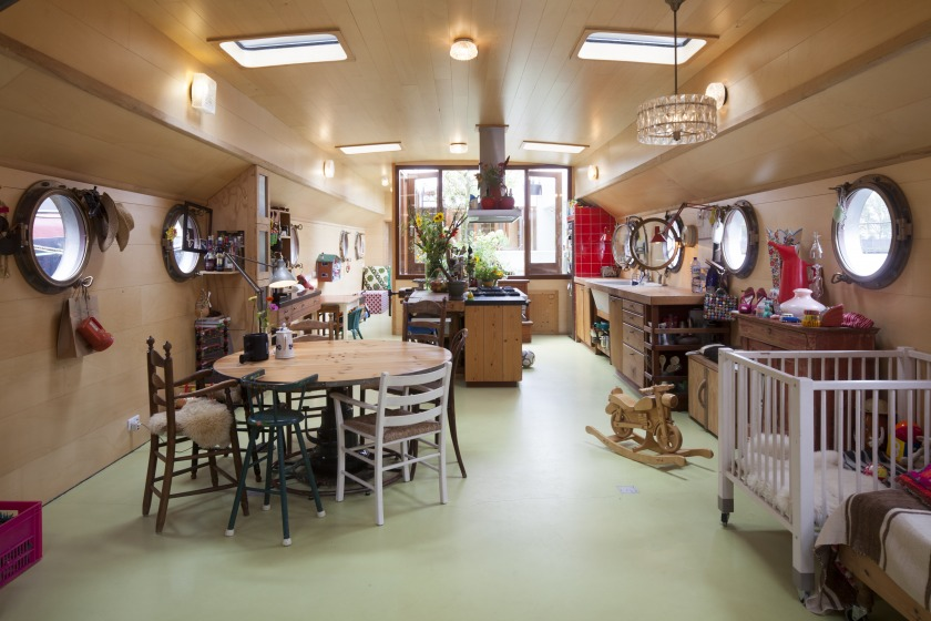 La Gondola house boat Refurbishment living room
