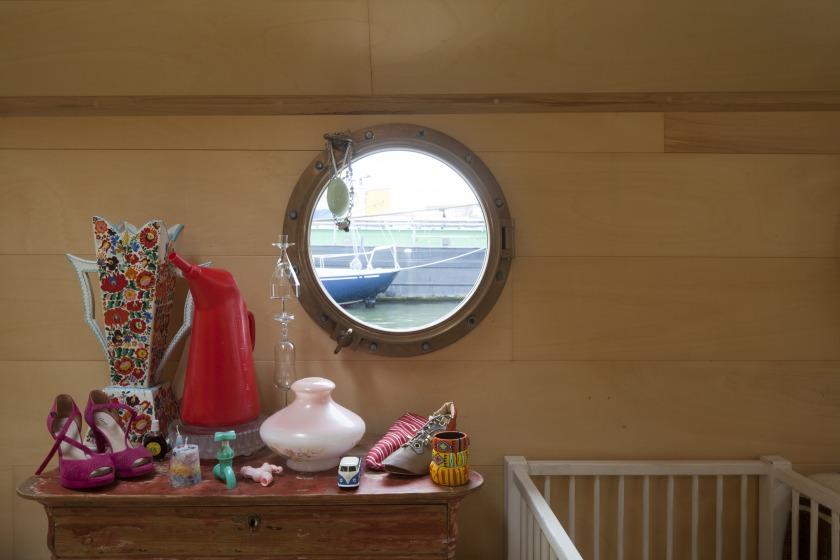 La Gondola house boat Refurbishment porthole