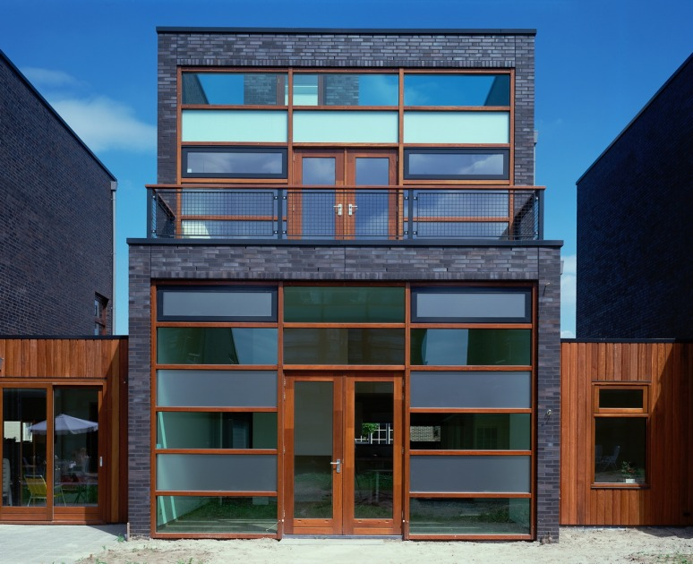 HOYT Architects house housing Breda netherlands black brick